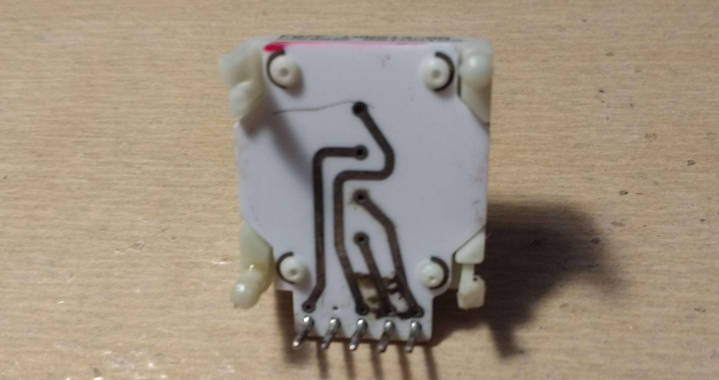 Potentiometer with exterior rusting